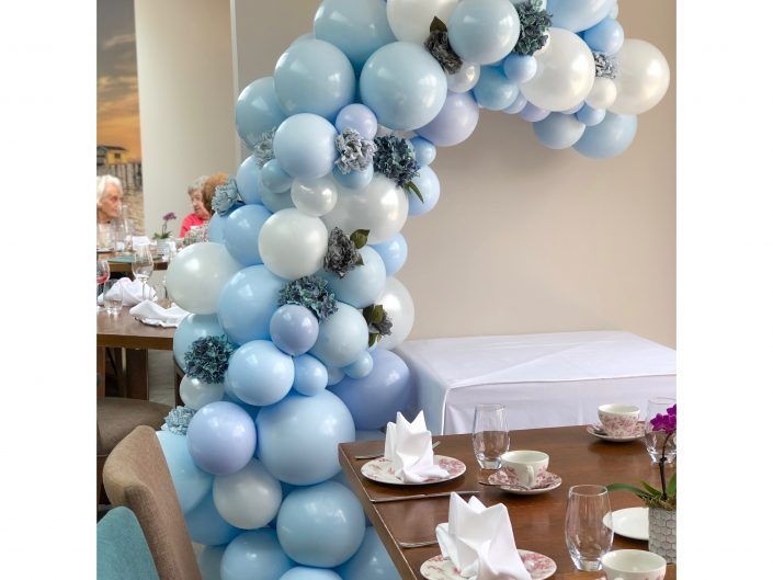 organic demi arch blue babyshower